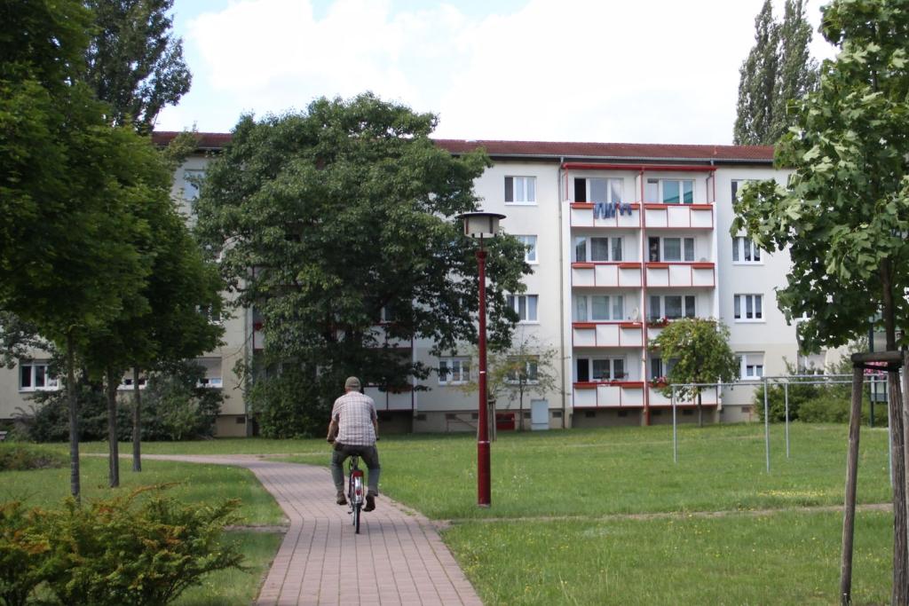 Vorschaubild für Wohnung:  Tereschkowastr. 1 (Hoyerswerda) 2